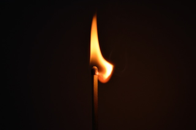 matchstick fire light striking 66267
